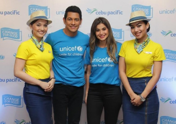 UNICEF Ambassador Gary Valenciano and Celebrity Advocate for Children Anne Curtis with the Cebu Pacific cabin crew.