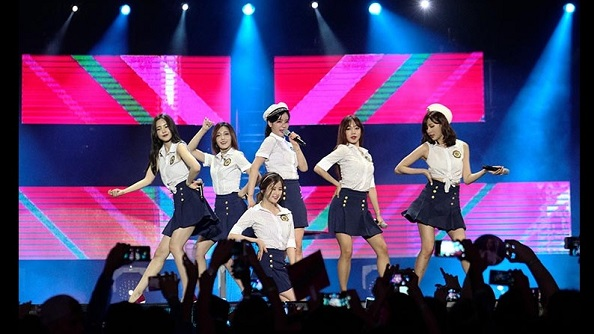 My niece love APink. Photo courtesy of MTV Asia